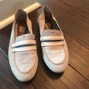 Ellen Degeneres rose and navy loafer. Size 7.5